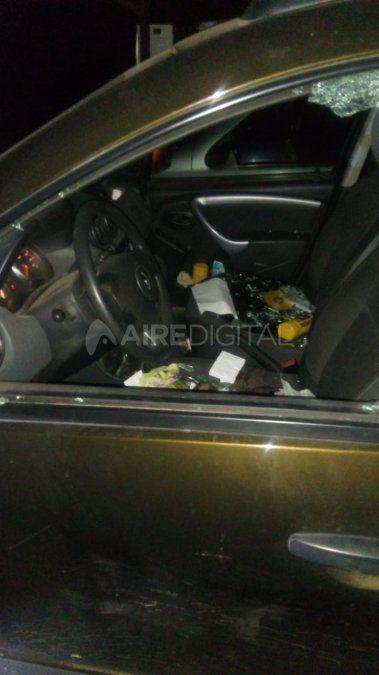 Uno de los coches vandalizados