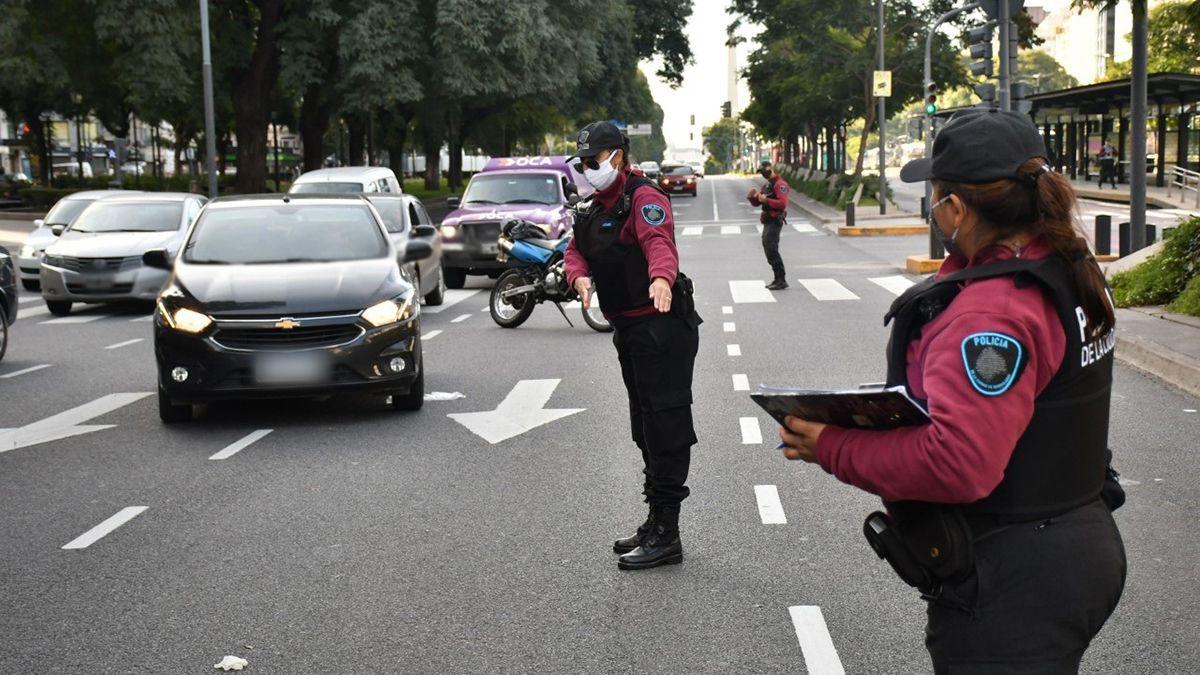 La Policía de la Ciudad de Buenos Aires retendrá la licencia de conducir a quienes circulen sin permiso.