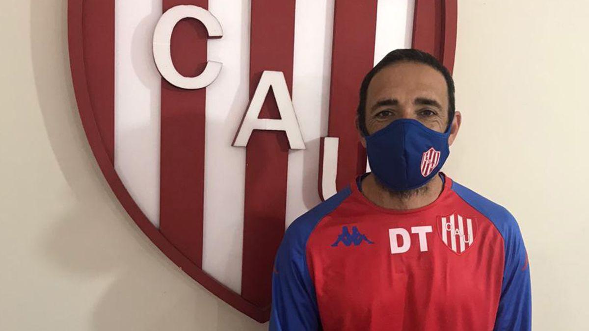 Juan Manuel Vasco Azconzábal llegó este jueves a Santa Fe y cumplirá con la cuarentena antes de ponerse al frente del plantel de Unión.
