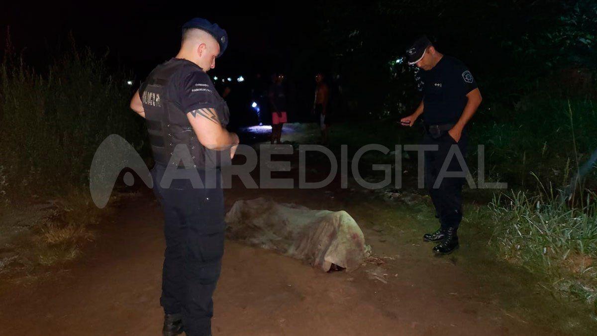 El cadaver fue encontrado en el límite entre los barrios San Agustín y Loyola Sur.