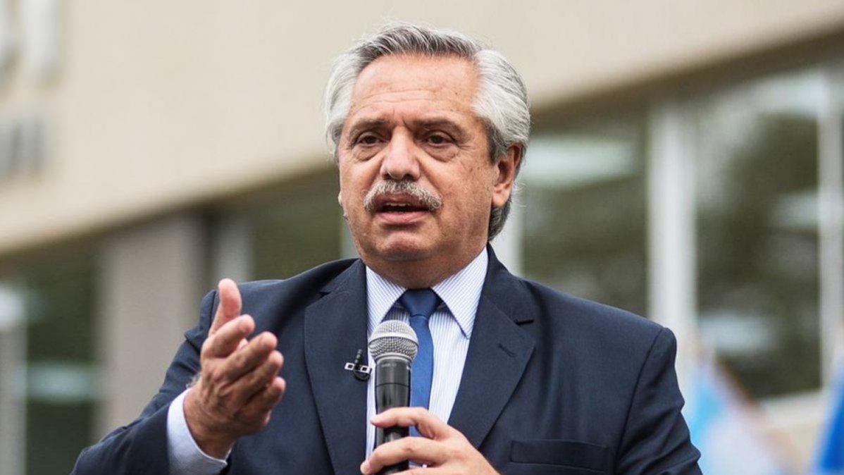 El presidente Alberto Fernández destacó que llegaron 18 millones de vacunas al país y que Argentina está entre los primeros quince países que ya vacunaron a su pueblo por lo menos con una dosis.