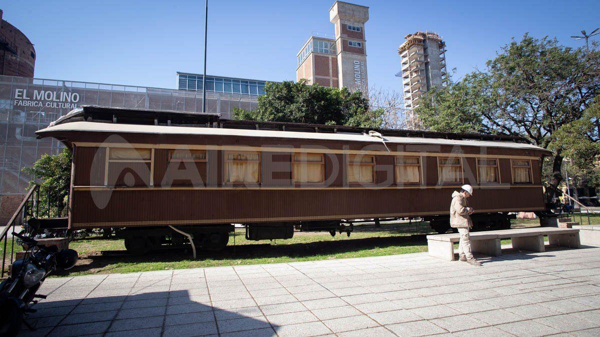 El vagón se instala en las inmediaciones del Molino Franchino.