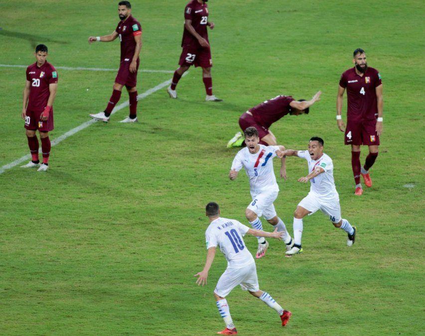 Paraguay obtuvo un triunfo trabajado como visitante ante Venezuela.
