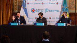 La firma del convenio se concretó en la Casa de Gobierno bonaerense, en La Plata, y también estuvieron presentes los ministros de Desarrollo de la Comunidad, Andrés Larroque; y de Trabajo, Mara Ruiz Malec; el secretario de Economía Social nacional, Emilio Pérsico; y el director nacional de Economía Social y Desarrollo Local, Pablo Chena.
