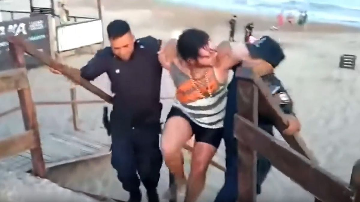Así detenían a la pareja que enterró a su beba en la arena para ir a disfrutar del mar.