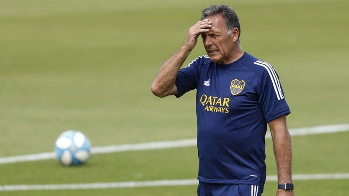 Miguel Ángel Russo no podrá contar con Nicolás Capaldo para visitar a Unión por la Copa de la Liga y tendrá que pensar variantes para ocupar el puesto de carrilero por derecha.