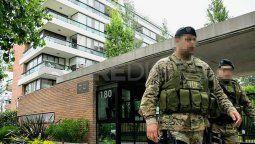Makhat fue detenido el 29 de noviembre de 2018 en el departamento en el que vivía. El inmueble es propiedad del narco Esteban Alvarado y está ubicado en los Condominios del Alto, una lujosa y exclusiva edificación en Punta Norte.