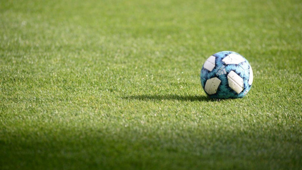 Dock Sud y Deportivo Merlo irán mañana en busca el ascenso a la Primera B