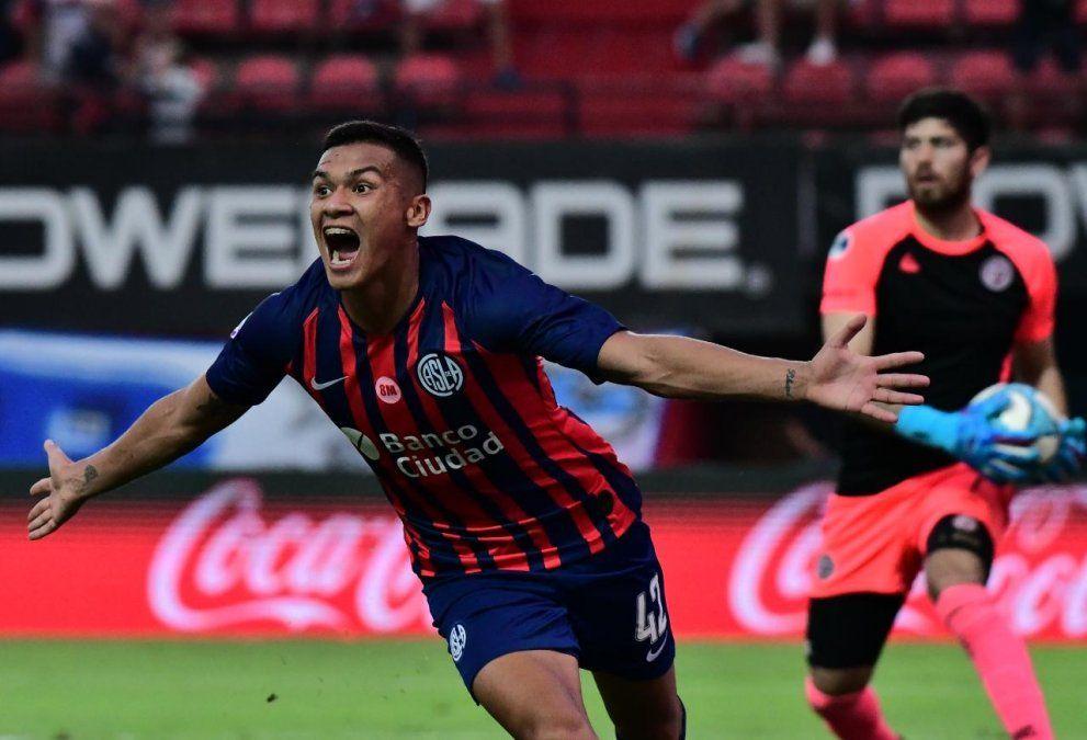 ¡Lluvia de goles! San Lorenzo venció 4-3 a Lanús como local