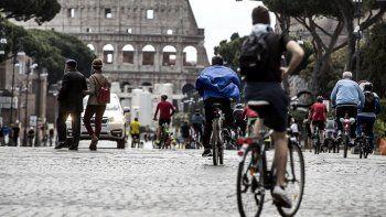 Sectores antivacunas de Italia anuncian bloqueos si se implementa el