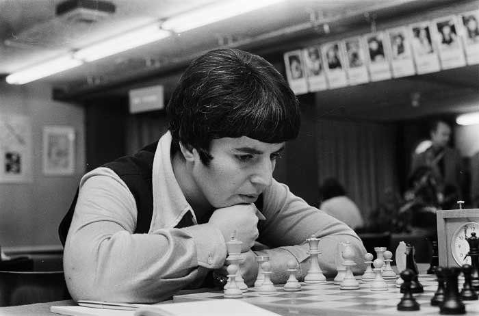 Nona Gaprindashvili, leyenda soviética de ajedrez.