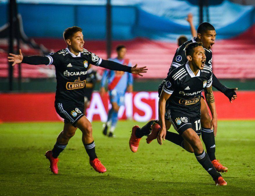 Copa Sudamericana: Arsenal especuló al final y Sporting Cristal lo eliminó de forma agónica