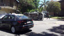 Una mujer y su bebé fueron trasladadas al hospital de Niños Orlando Alassia tras protagonizar un accidente de tránsito en B° Candioti del que participaron una camioneta y un taxi.