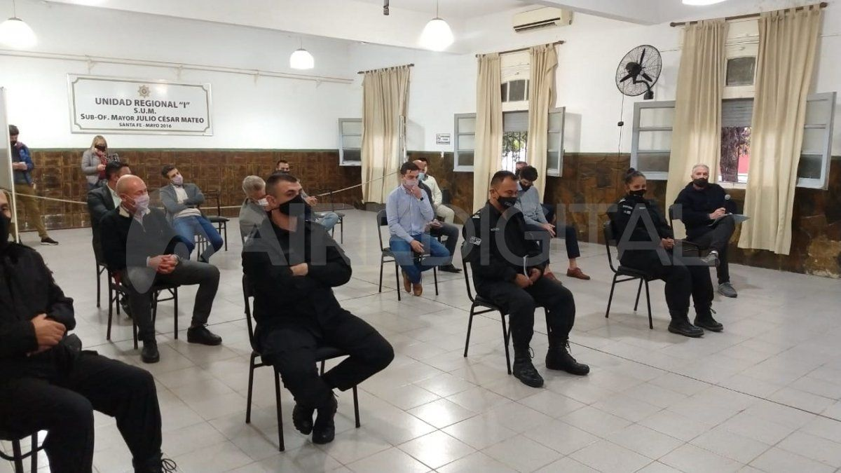 Representantes de los clubes Colón y Unión mantuvieron un encuentro con autoridades del Ministerio de Seguridad de Santa Fe en vísperas del cásico.