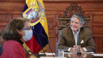 El presidente de Ecuador exige a sus ministros y funcionarios informes breves