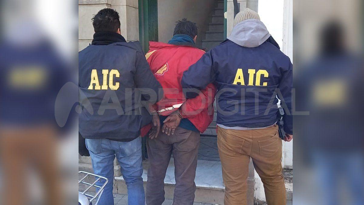 El acusado fue trasladado a sede policial tras su captura y será imputado en los próximos días en tribunales.