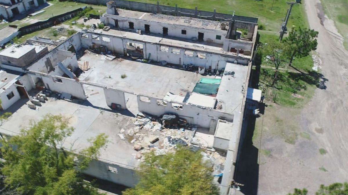 La fábrica abandonada de Nesaglo en donde los chicos se intoxicaron con plomo.