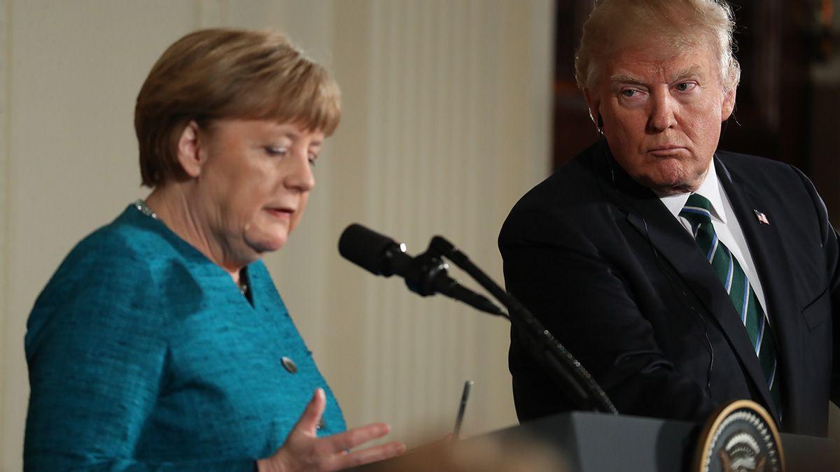 Merkel considera problemático que las cuentas del presidente estadounidense en las redes sociales sean cerradas definitivamente.