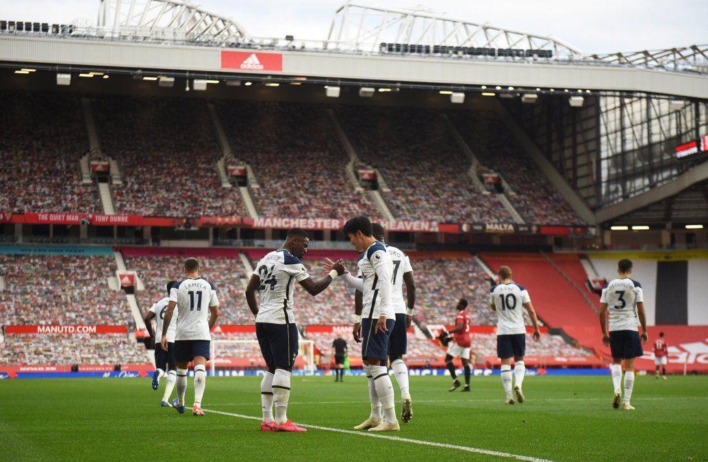 Tottenham cerró una jornada histórica tras derrotar 6-1 como visitante el Manchester United por Premier League.