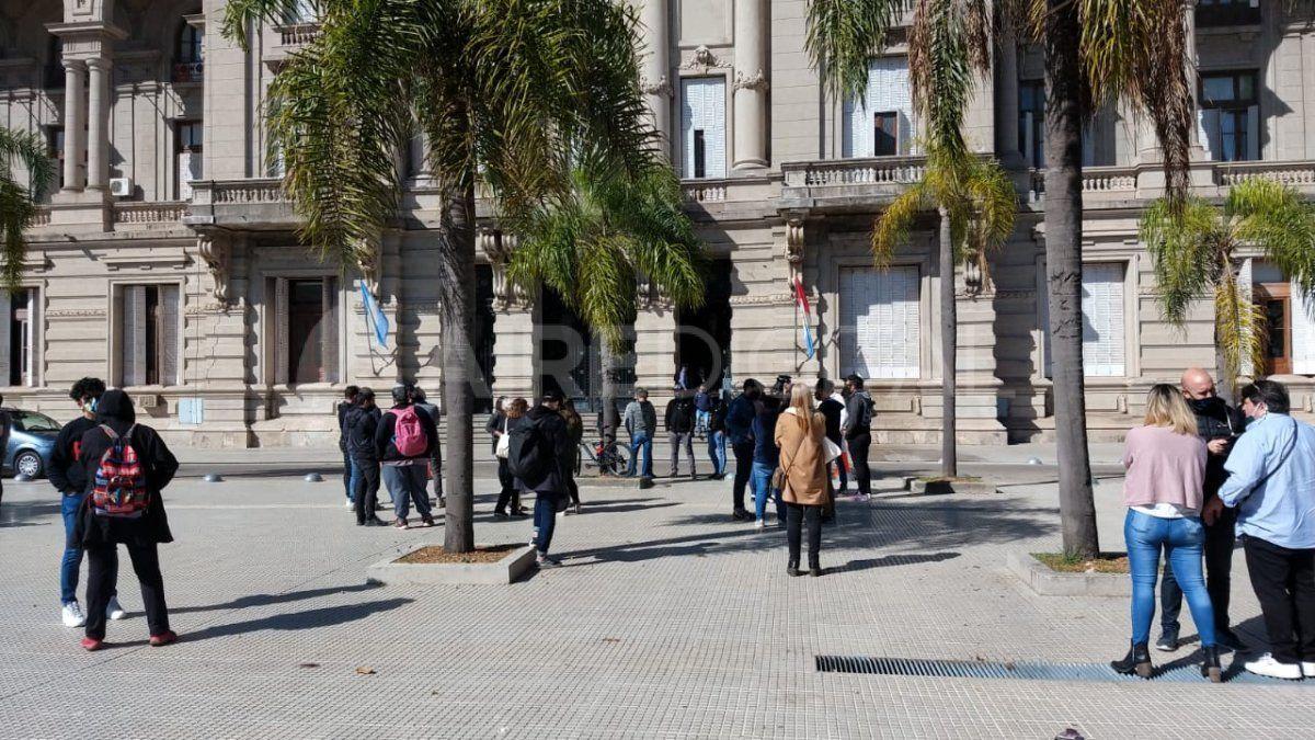 Manifestación de peluqueros en la Plaza 25 de Mayo