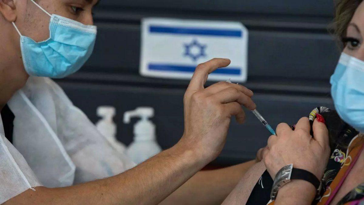Israel es el país del mundo donde más avanzó la campaña de inmunización. Todos fueron vacunados con Pfizer.