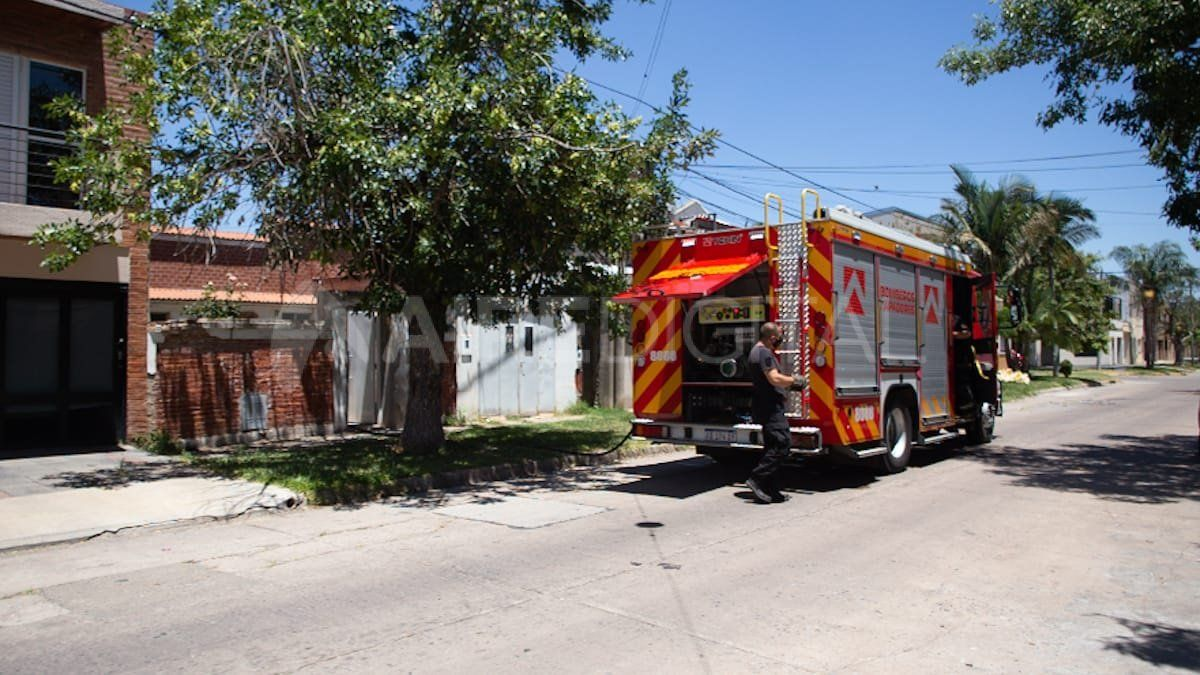 Incendio en el barrio Candioti Norte
