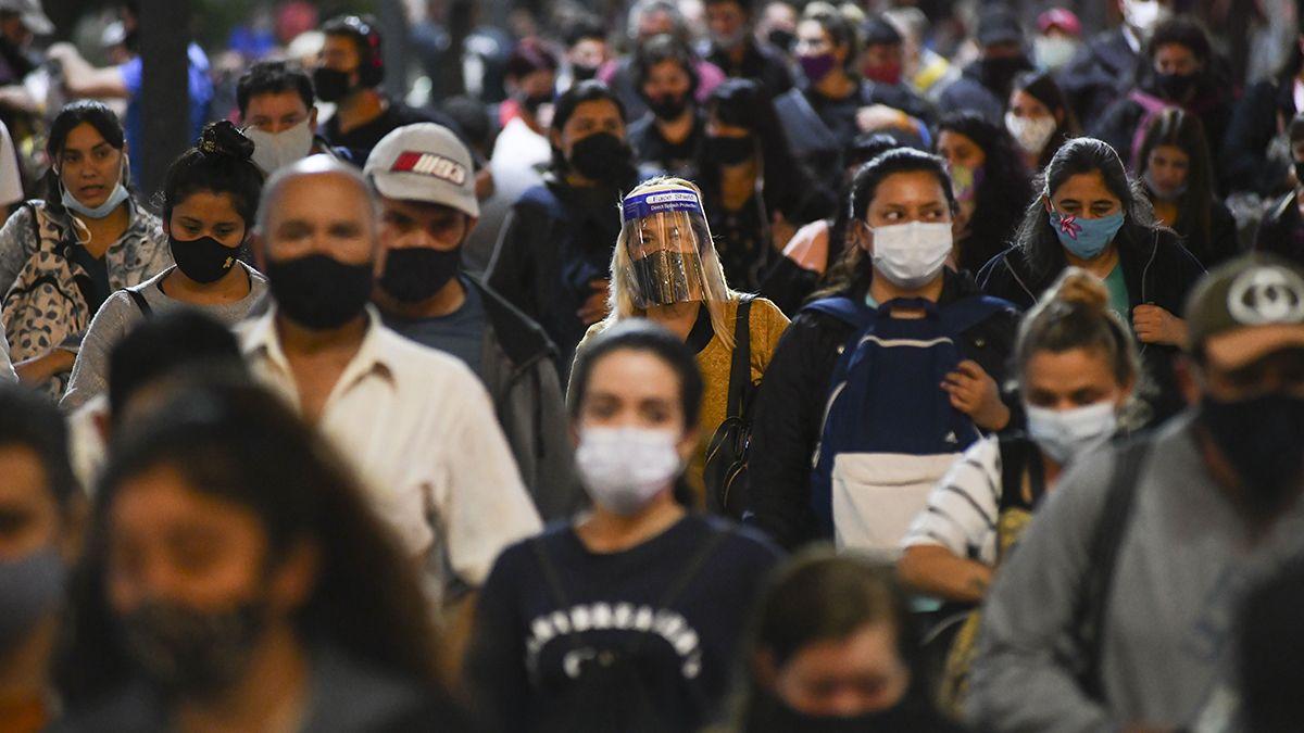 La pandemia y todas sus restricciones conmovió los arreglos que cada uno ha forjado para darle sentido a su existencia.