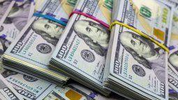 Los bancos continúan sin poder vender dólares desde el miércoles pasado cuando el Banco Central adoptó una serie de medidas para controlar la comercialización de divisas.