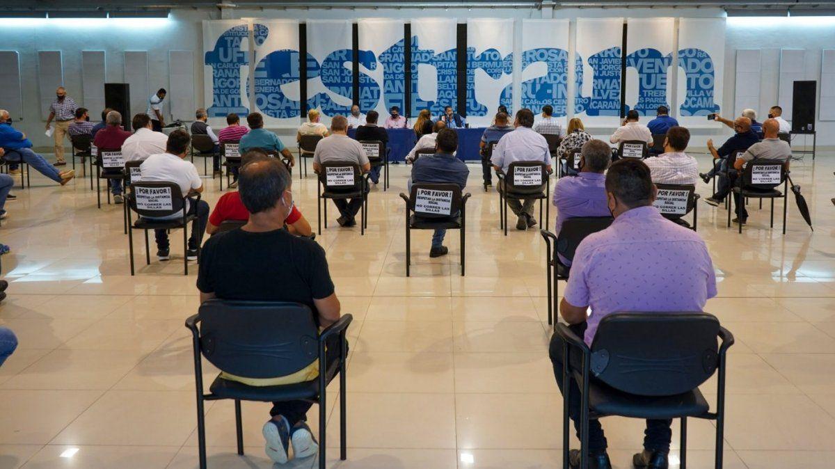 el Consejo Directivo convocó a Congreso Extraordinario para tratar las medidas disciplinarias a aplicar a Juan Medina y Pablo Casale por la causa que investiga la defraudación y estafa que llevaron adelante contra Festram.
