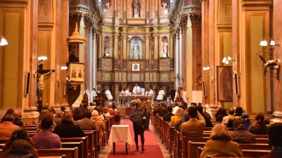 Las celebraciones vuelven este sábado en Mendoza con un límite de hasta 30 personas.