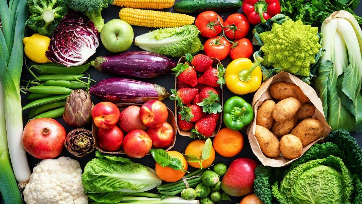 Alimentos que ayudan a reducir el ácido úrico alto