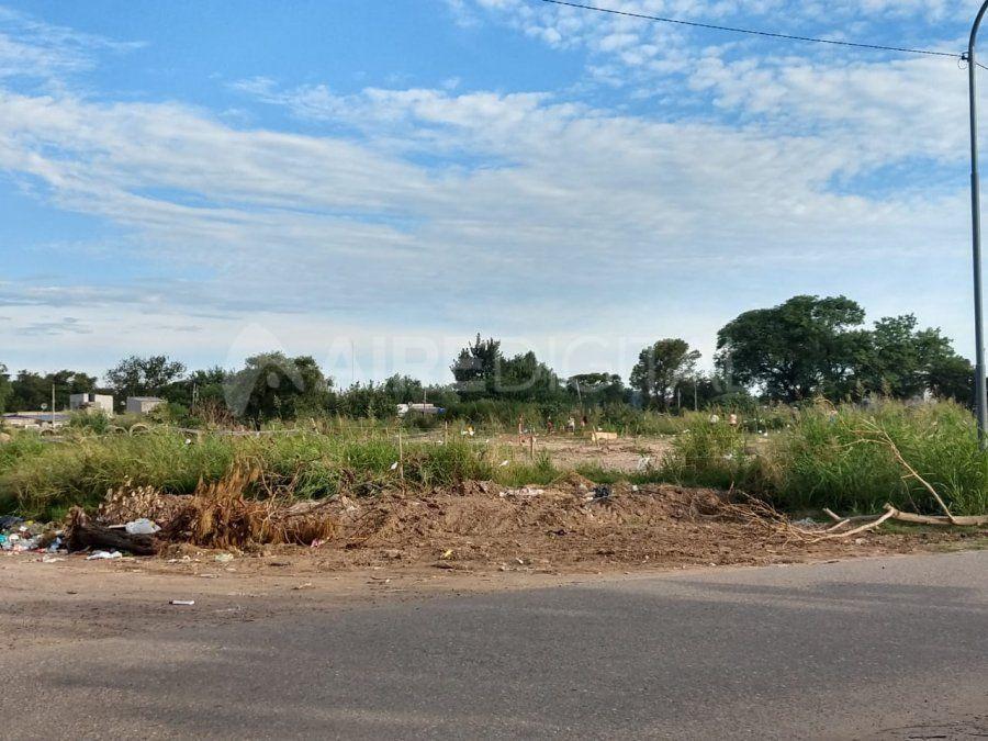 Vecinos usurparon un terreno de Vialidad Nacional en barrio Esmeralda Sur