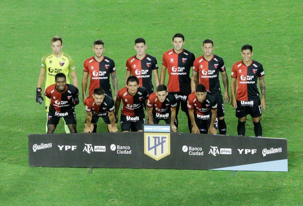 La vuelta de Eduardo Domínguez trajo consigo una reducción del promedio de edad del plantel.