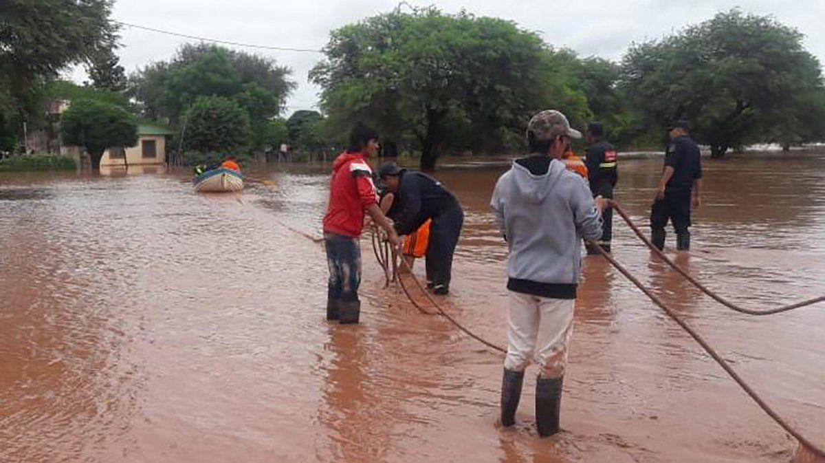 Por inundaciones