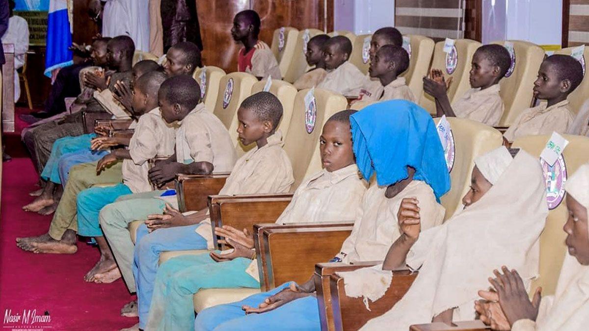 El domingo por la noche fueron liberados 75 rehenes de la escuela secundaria gubernamental de Kaya. Parecían en buen estado de salud e ilesos