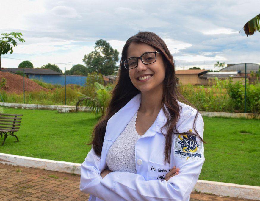 La médica autista de Brasil que superó todas las barreras y desafíos impuestos desde la infancia.