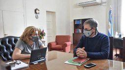 Este jueves, la ministra de Salud de la provincia, Sonia Martorano y el intendente de la ciudad de Santa Fe, Emilio Jatón mantuvieron un encuentro de trabajo en el que se analizó la situación general vinculado a la pandemia por coronavirus y coordinaron tareas de cara al verano.