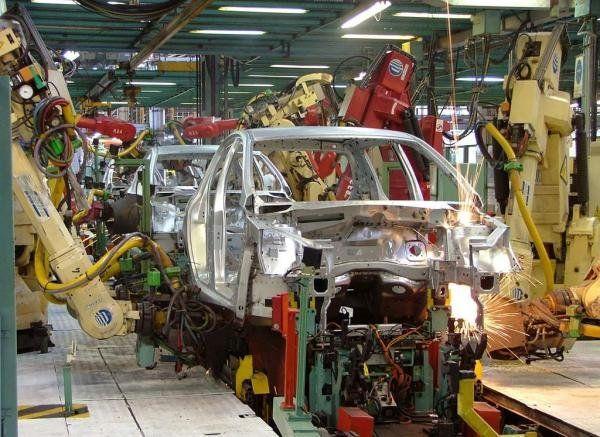 La actividad industrial se derrumbó un 10,8% en enero