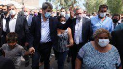 Acompañado por el goberndor Sergio Uñac, el presidente Alberto Fernández recorrió esta tarde en San Juan parte de las zonas afectadas por el violento sismo que sacudió anoche a la provincia de San Juan.