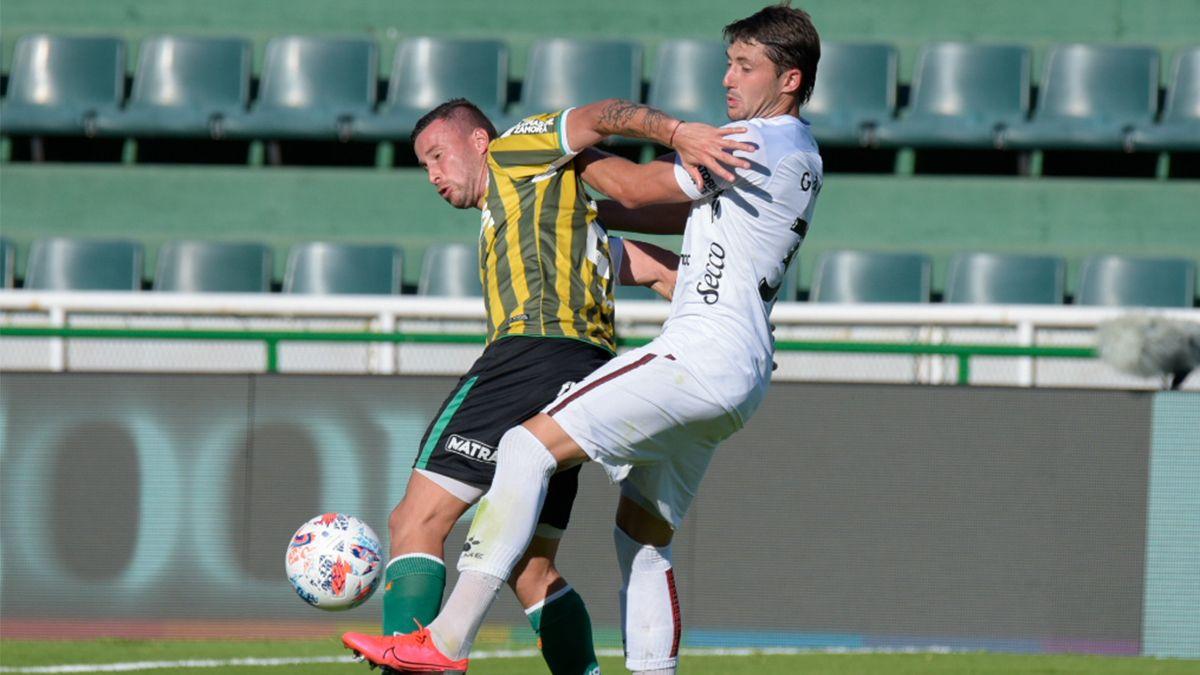 En un primer tiempo sin muchas emociones, Alexis Castro puso en ventaja a Colón a pocos minutos para el final del partido.