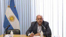 En horas del mediodía de este lunes se llevó a cabo una reunión entre el gobernador de la provincia, Omar Perotti, autoridades del Ministerio de Salud y directores provinciales del sector para analizar las próximas medidas restrictivas.