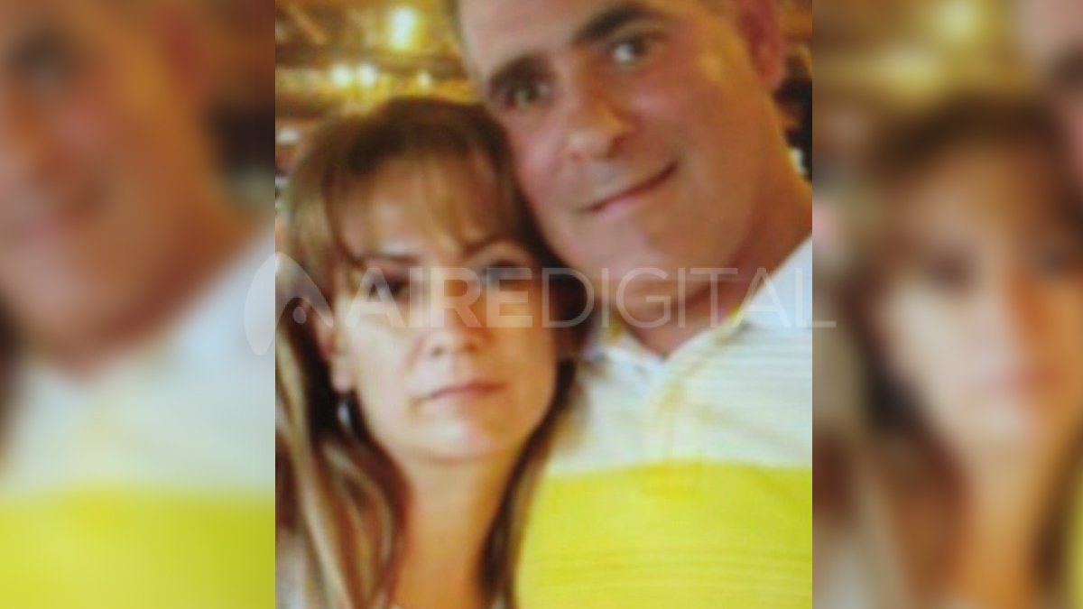 """Lorena Guadalupe Melgarejo y su pareja Claudio """"Pulga"""" Casco se encuentran prófugos. La avioneta paraguaya transportaba 200 kilos de marihuana."""
