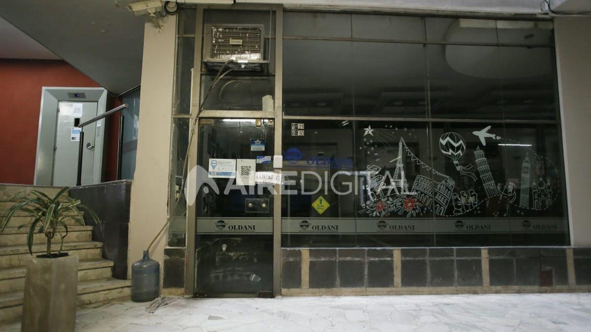 La oficina y el pasillo dondeocurrió el fatal ataque a Hugo Oldani.