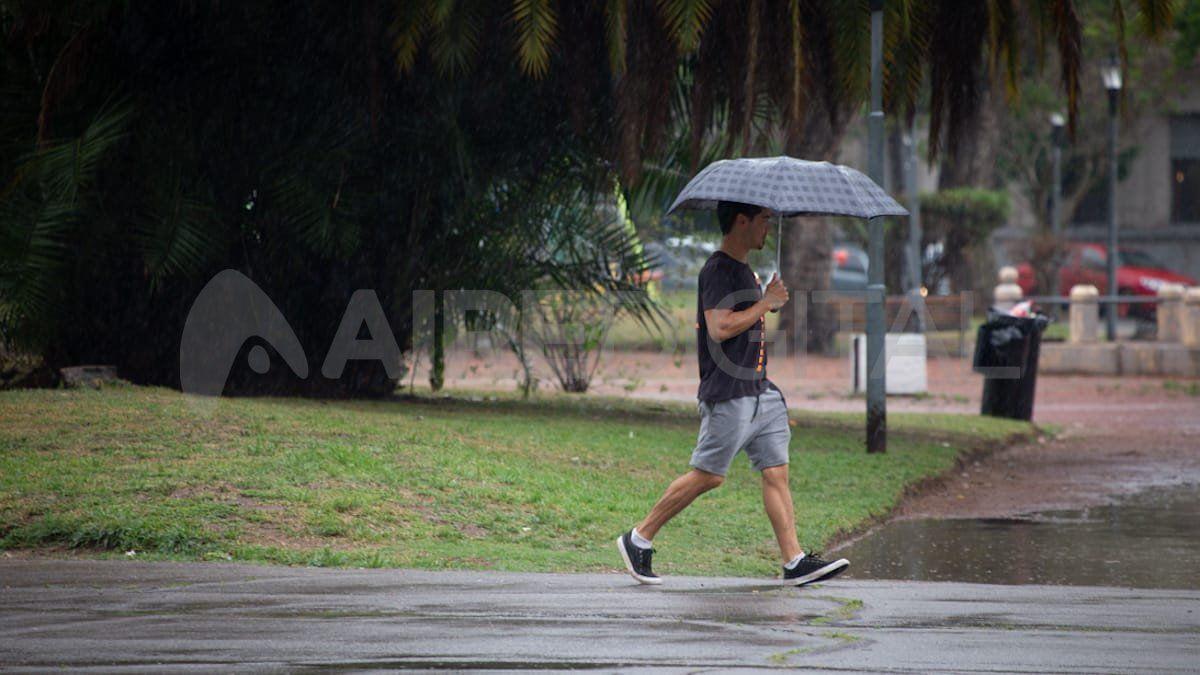 En algunas zonas de la ciudad de Santa Fe se registraron cerca de 40mm de lluvia caída.