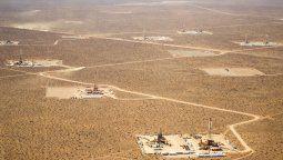 La producción de petróleo no convencional continúa creciendo de manera sostenida en la Argentina y volvió a marcar un récord mensual, según un informe del Centro de Estudios de Energía, Política y Sociedad.