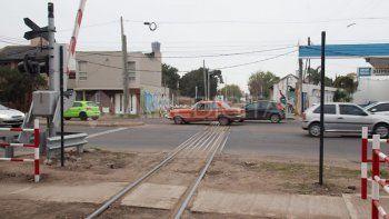 Por el vandalismo y los robos, sólo funciona el 30% de las barreras de tren de la ciudad