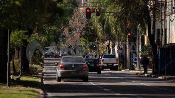 Hasta las 00 horas del lunes continúa la restricción vehicular total en la provincia de Santa Fe, excepto para trabajadores esenciales.
