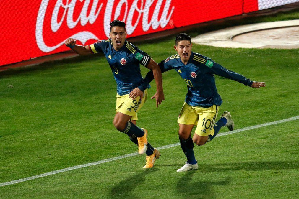 El gol de Falcao sobre el final le permite a Colombia ser escolta de Brasil y Argentina en el comienzo de las Eliminatorias Sudamericanas.