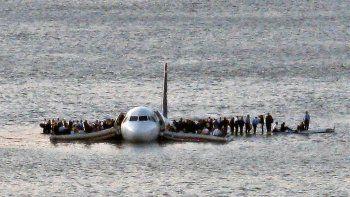 El vuelo 1549 de US Airways (AWE1549) tuvo que amerizar en las heladas aguas del río Hudson, cerca de la Calle 48 en Manhattan.