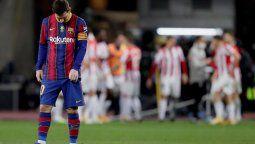 altText(Barcelona perdió la Supercopa de España y Lionel Messi vio la roja por primera vez)}